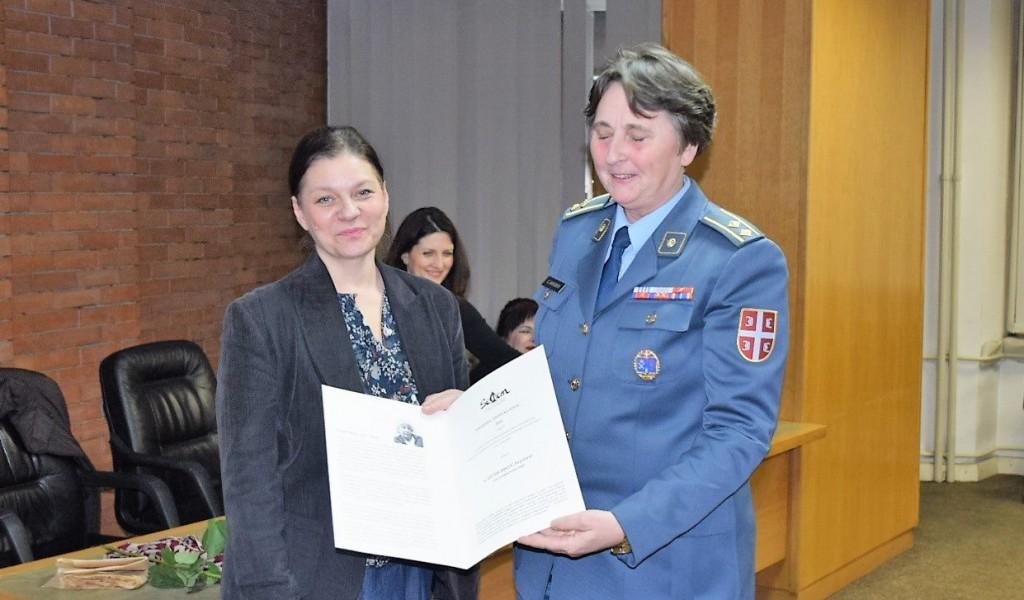 Potpukovnici mr Svetlani Janković iz Instituta za strategijska istraživanja uručena nagrada Anđelka Milić