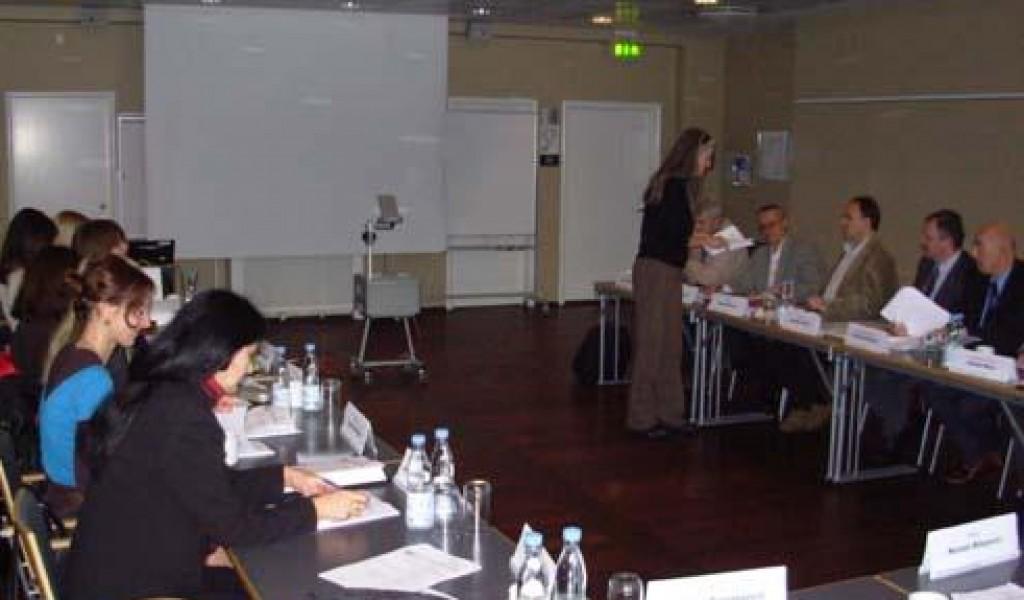 Истраживачи ИСИ на семинару Демократска контрола оружаних снага