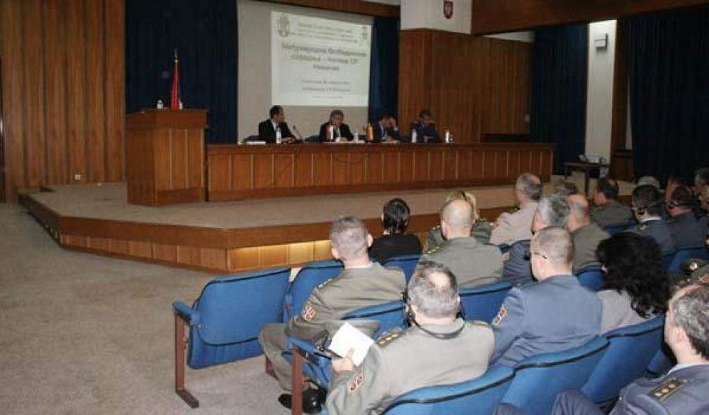 Predavanje ambasadora Volframa Masa na temu Međunarodna bezbednosna saradnja stanovište SR Nemačke
