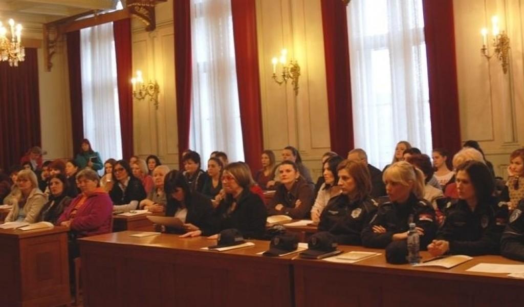 Učešće direktorke Instituta za strategijska istraživanja dr Jovanke Šaranović na konferenciji Žensko liderstvo u Somboru