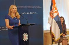 ванреднa професорка др Јованка Шарановић, директорка Института за стратегијска истраживања